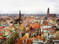 Polonia, plot ngrohtësi e dhimbje